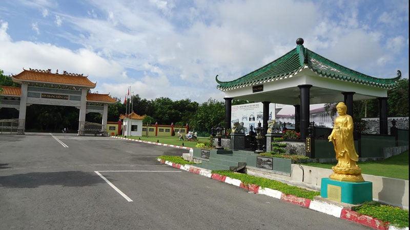 Khuôn viên hoa viên Sơn Trang Tiên Cảnh