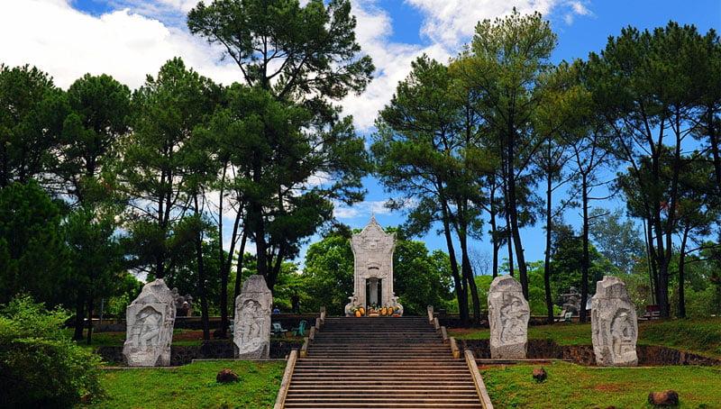 Dãi đất Nghĩa trang liệt sĩ Trường Sơn