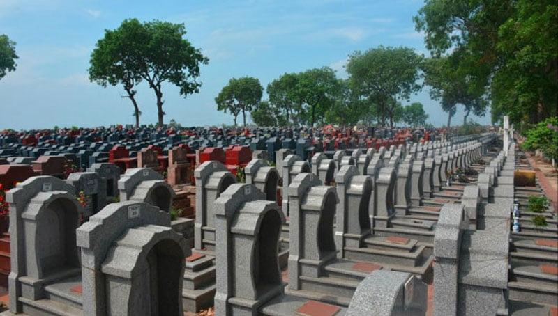 Khuôn viên nghĩa trang
