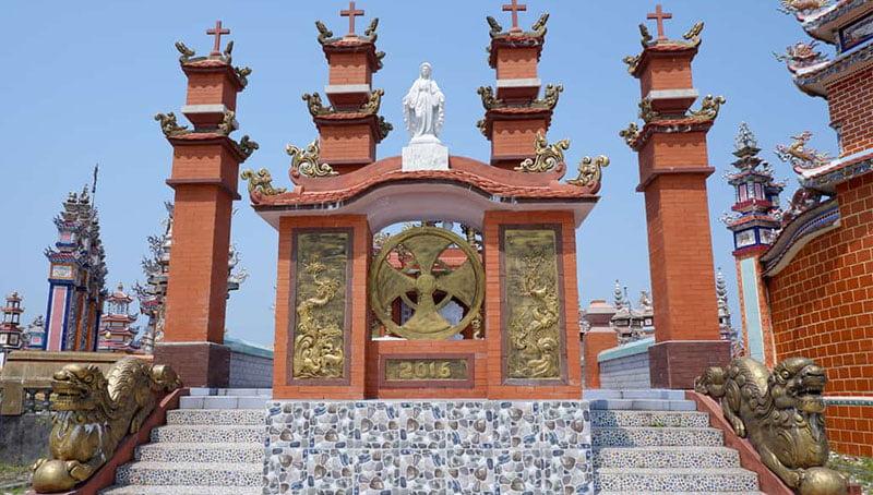 Ngôi mộ theo phong cách Thiên Chúa giáo
