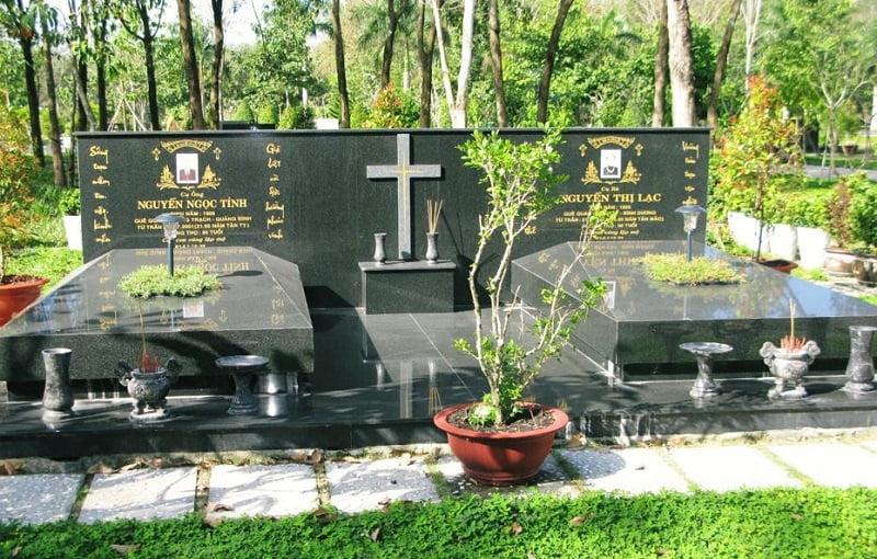 Mẫu mộ đôi bằng đá Granite đen Ấn Độ